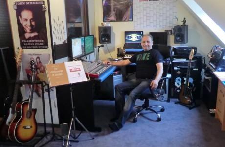 John Simmens im Studio